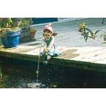 Ubbink 1386805 - Fillette assise avec pompe pour bassin de jardin