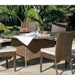 Indoor-outdoor Table de jardin ronde Tatiana en résine plate tressée et plateau en verre Ø180 x 75 cm