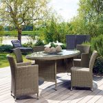 Proloisirs Table de jardin ovale Belfort en résine tressée et plateau en verre 220 x 110 x 75 cm