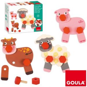 Goula Visse et joue avec les animaux de la ferme