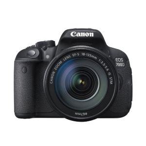 Canon EOS 700D (avec 2 objectifs 18-55mm et 40mm)