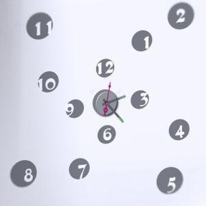 Horloge murale sticker Design Cache Cache