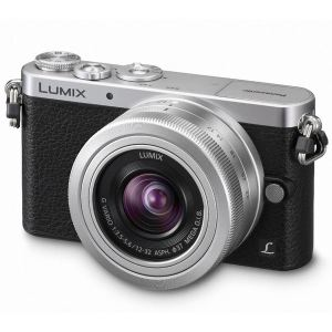 Panasonic Lumix DMC-GM1 (avec 2 objectifs 12-32mm et 20mm)