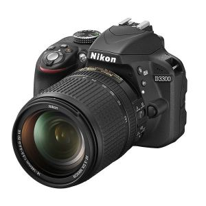 Nikon D3300 (avec objectif 18-140mm)