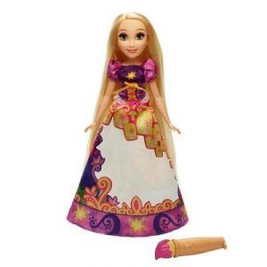 Hasbro Poupée Disney Princesses : Raiponce robe magique