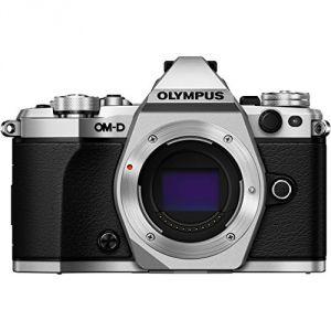 Olympus OM-D E-M5 Mark II (avec objectif 14-42mm)