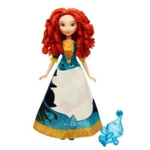 Hasbro Poupée Disney Princesses : Merida robe magique