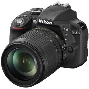 Nikon D3300 (avec objectif 18-105mm)