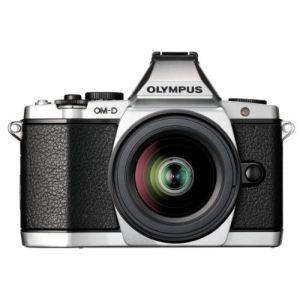 Olympus OM-D E-M5 (avec objectif 12-50mm)