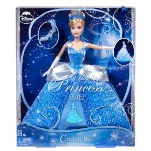 Mattel Poupée Princesse Cendrillon merveilleuse