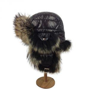 Chapka matelassée noire garnie de fourrure de raton-laveur