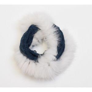 Écharpe bleue en laine et fourrure blanche de renard