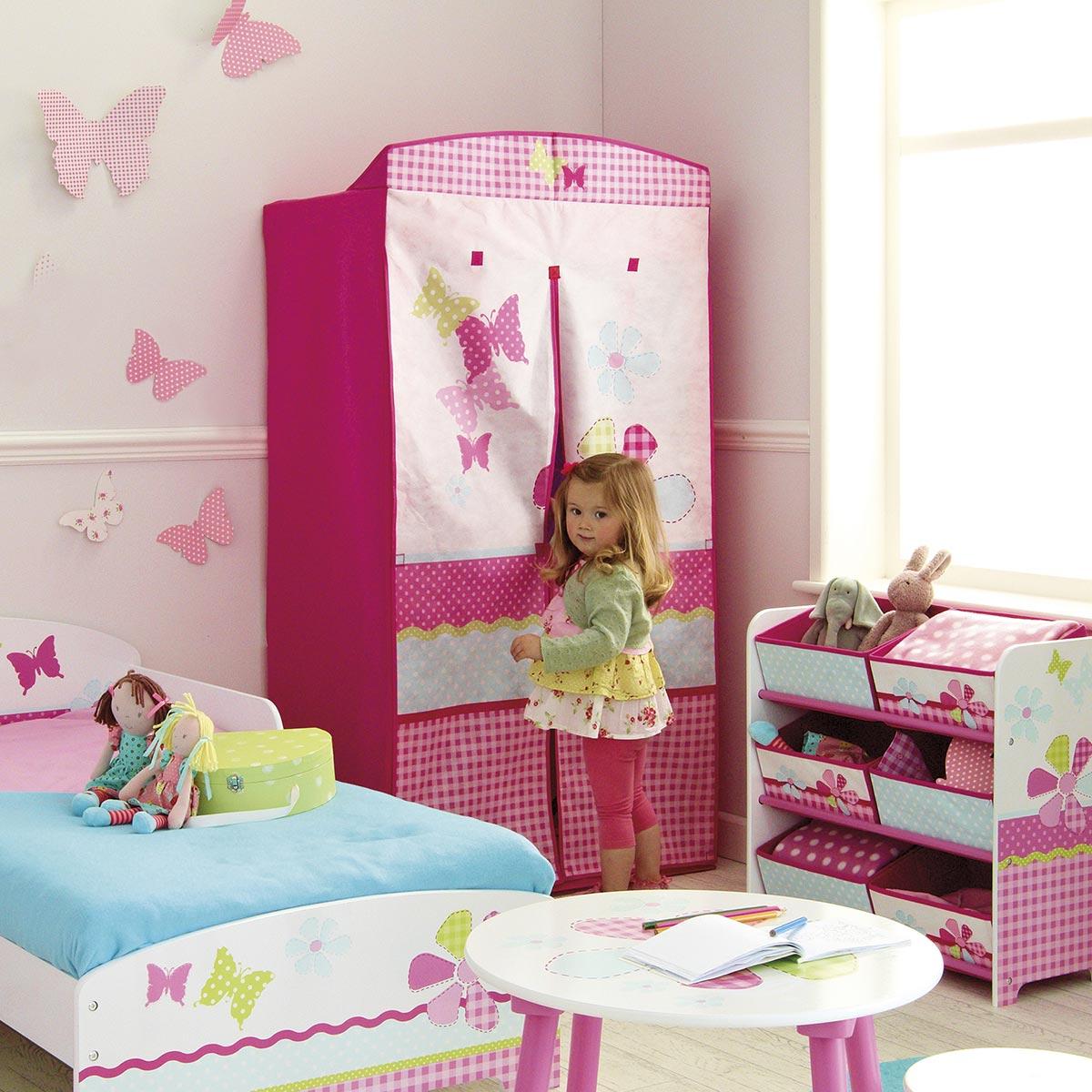 worlds apart armoire mariposa en tissu et patchwork. Black Bedroom Furniture Sets. Home Design Ideas