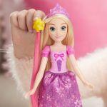 Hasbro Disney Princesses - Belle ou Raiponce à coiffer