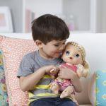 Hasbro Baby Alive est malade blonde