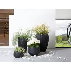 Beliani Cache-pot - Accessoir de jardin - 30x30x19 cm - Noir - Corrib