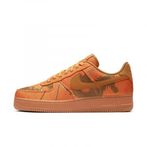 Nike Chaussure de basketball Chaussure Air Force 1'07 LV8 3 pour Homme Orange Couleur Orange Taille 38.5