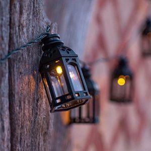 Lights4Fun Guirlande Lumineuse LED Solaire de 16 Lanternes Marocaines Noires de