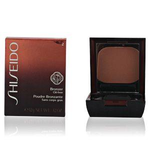 Shiseido 02 Medium Naturel - Poudre bronzante sans corps gras