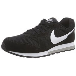 Nike MD Runner 2 (GS), Sneakers Basses Garçon, Noir (Black/White-Wolf Grey 001), 40 EU