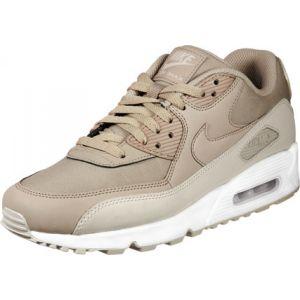 872965b8ccf4 Nike Air Max 90 Essential chaussures marron 42