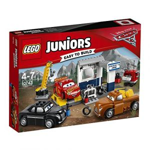 Lego 10743 - Juniors : Le Garage de Smokey Cars 3