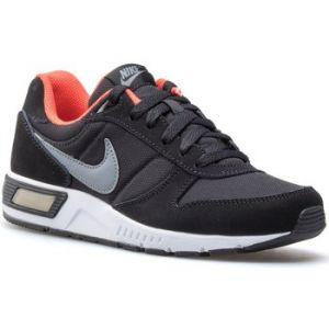 Nike 705477-011, Chaussures de Tennis garçon, Noir (Black/Cool Grey/Max Orange/White), 38 EU