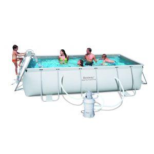 Bestway Kit Piscine rectangulaire tubulaire L4,04 x l2,01 x H1,00m - Volume d'eau à 90% : 6478L - Avec filtre à sable : 2,006 m³/h - Dimensions : 404x201xH100cm.