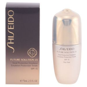 Shiseido Future Solution LX - Emulsion protection totale SPF 15 jour
