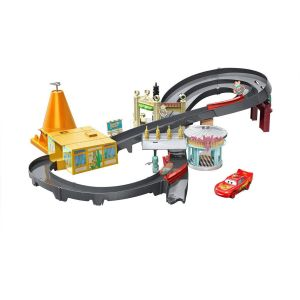 Mattel Circuit course dans Radiator Springs + 1 voiture Flash Mc Queen - Cars