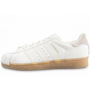 Adidas Femme Superstar Blanche Et Beige Gum Baskets