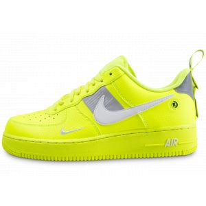 Nike Chaussure Air Force 1'07 LV8 Utility Homme - Jaune - Taille 46