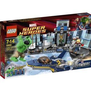 Lego 6868 - Super Heroes : L'évasion en héliporteur de Hulk