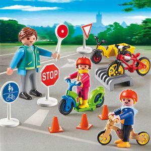 Playmobil 5571 City Life - Enfants avec agent de sécurité routière