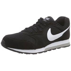 Nike MD Runner 2 (GS), Sneakers Basses Garçon, Noir (Black/White-Wolf Grey 001), 38.5 EU