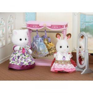 Epoch Sylvanian Families 5236 - Dressing et figurine
