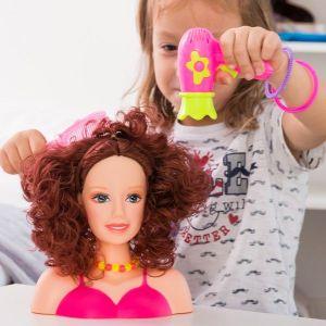 Poupée à coiffer avec accessoires