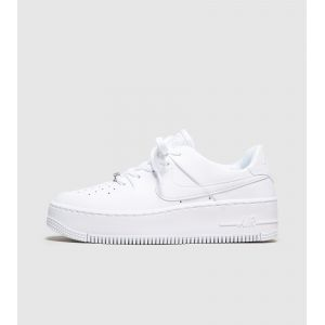 Nike Chaussure Air Force 1 Sage Low pour Femme - Blanc - Taille 37.5