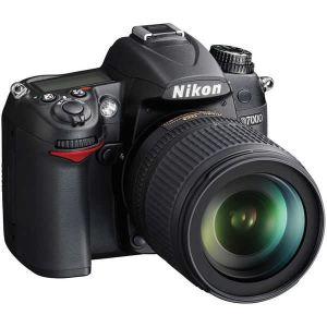 Nikon D7000 (avec objectif 18-105mm)