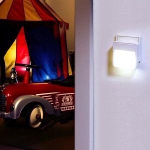 Ansmann Lampe d'orientation à LED 1600-0097 avec capteur crépusculaire (CDS) et détecteur de présence (PIR) intégrés, deux LED de qualité fixes