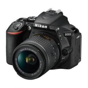 Nikon D5600 (avec objectif 18-55mm)