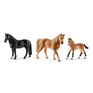Schleich Figurines de chevaux tennessee walker (hongre, jument, poulain)
