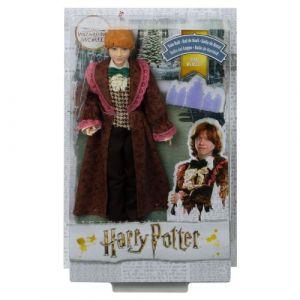 Mattel Harry Potter Poupée Articulée Ron Weasley de 26 Cm en Costume Bal de Noël avec son Invitation, à Collectionner, Jouet Enfant, Gfg15