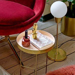 Bloomingville Lampe à poser en métal doré et globe en verre opaque blanc