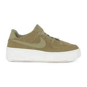 73d88f16784 Nike Chaussure Air Force 1 Sage Low Femme - Olive - Taille 40 ...