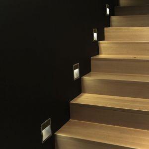Silamp Balise LED saillie Carré 2W 220V 55° Noire IP65 pour Escalier - Blanc Chaud 2300K - 3500K -