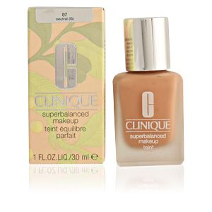 Clinique Superbalanced makeup 07 Neutral - Teint équilibre parfait