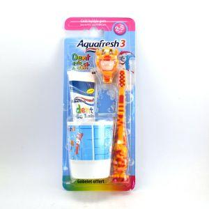 Aquafresh 3 : Kit dentaire 2-5 ans incluant une brosse à dents, dentifrice et gobelet