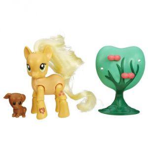 Hasbro Figurine articulée My Little Pony : Applejack cueillette de pommes