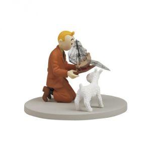 Figurine Tintin tenant la Licorne
